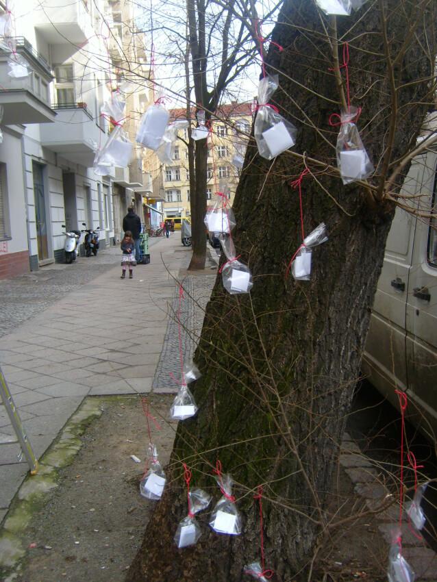 Poem tree in Berlin-Neukölln by Atelier Schmidt